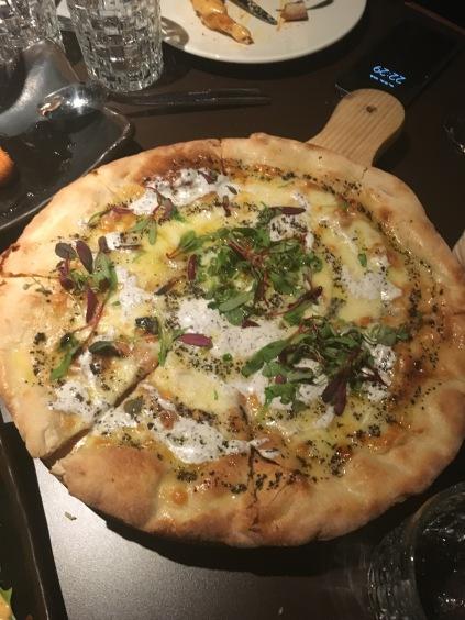 Pizza bianca del restaurante pointer